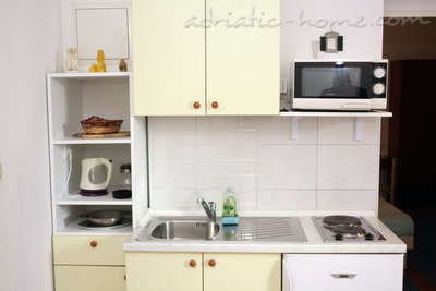 Apartments SILVANA-APP 2+2, Makarska, Croatia - photo 8