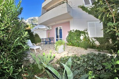 Apartments SILVANA-APP 2+2, Makarska, Croatia - photo 1