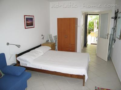 Studio apartment ZANELLA***  PUNAT, Krk, Croatia - photo 3