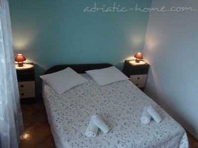 Rooms Ivanac, Makarska, Croatia - photo 4