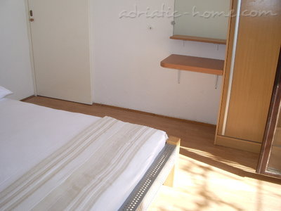 Studio apartment Šarić II, Baška Voda, Croatia - photo 10