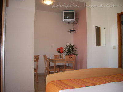 Studio apartment Šarić II, Baška Voda, Croatia - photo 2