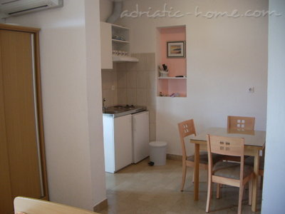 Studio apartment Šarić II, Baška Voda, Croatia - photo 5