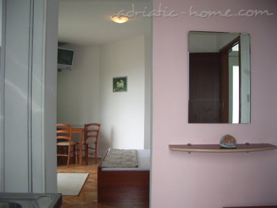 Studio apartment Šarić, Baška Voda, Croatia - photo 3