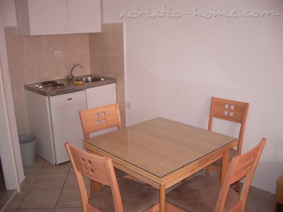 Studio apartment Šarić III, Baška Voda, Croatia - photo 4