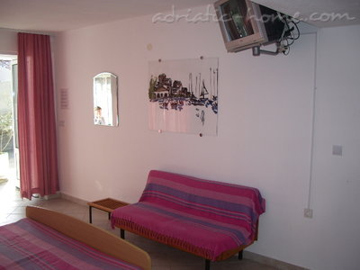 Studio apartment Šarić III, Baška Voda, Croatia - photo 8