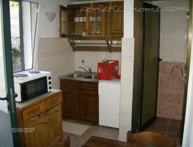 Studio apartment IVANOVIC 3 (Petrovac), Petrovac, Montenegro - photo 7