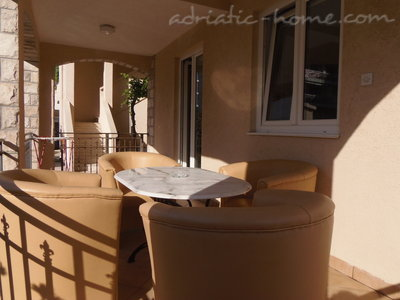 Apartments KRALJEVSKA VILA -WELLNESS SUPER LUX, Budva, Montenegro - photo 7