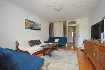 Apartments KRALJEVSKA VILA-MILANO LUX, Budva, Montenegro - photo 2