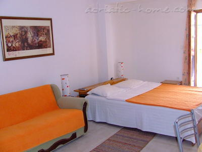 Studio apartment NR  Lux ****  , Sveti Stefan, Montenegro - photo 4