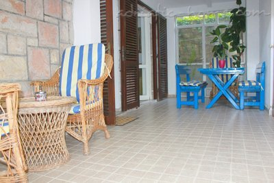 Apartamente Two-Bedroom Apartment with Terrace NR Lux ****, Sveti Stefan, Mali i Zi - foto 5
