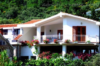 Appartementen Two-Bedroom Apartment with Terrace NR Lux ****, Sveti Stefan, Montenegro - foto 4