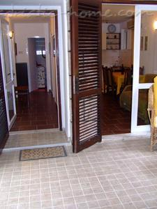 Appartementen Two-Bedroom Apartment with Terrace NR Lux ****, Sveti Stefan, Montenegro - foto 6
