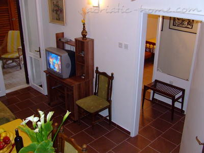 Leiligheter Two-Bedroom Apartment with Terrace NR Lux ****, Sveti Stefan, Montenegro - bilde 7
