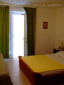 Appartementen Two-Bedroom Apartment with Terrace NR Lux ****, Sveti Stefan, Montenegro - foto 8
