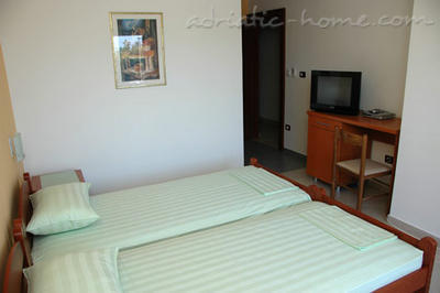 Appartamenti Private accommodation NEPTUN, Bar, Montenegro - foto 3