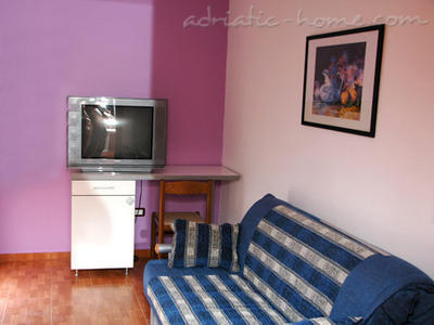 Leiligheter Private accommodation  NEPTUN II, Bar, Montenegro - bilde 4