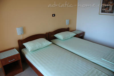 Rom Private accommodation NEPTUN, Bar, Montenegro - bilde 3