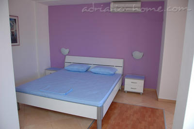Kamers Private accommodation NEPTUN, Bar, Montenegro - foto 4