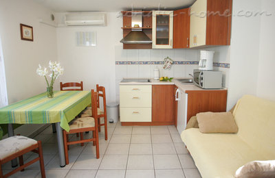 Apartments DUBRAVKA 1A, Trogir, Croatia - photo 5