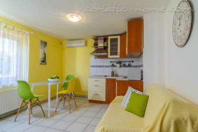 Apartments DUBRAVKA 1A, Trogir, Croatia - photo 4
