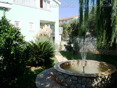 Apartments DUBRAVKA 2A★★★★, Trogir, Croatia - photo 9