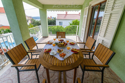 Apartments DUBRAVKA 2A★★★★, Trogir, Croatia - photo 2