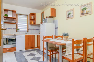 Apartments DUBRAVKA 2A★★★★, Trogir, Croatia - photo 5