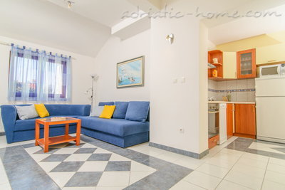 Apartments DUBRAVKA 2A★★★★, Trogir, Croatia - photo 6