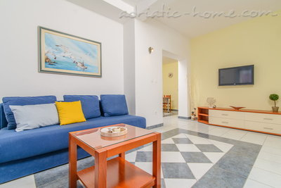 Apartments DUBRAVKA 2A★★★★, Trogir, Croatia - photo 7