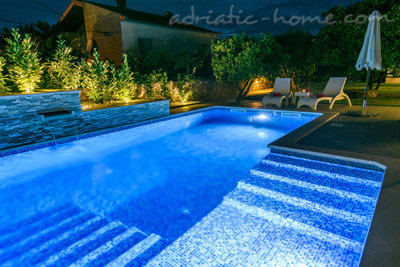 Apartments DUBRAVKA 2A★★★★, Trogir, Croatia - photo 1