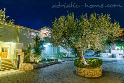 Apartments DUBRAVKA 2A★★★★, Trogir, Croatia - photo 15