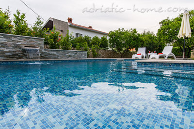 Apartments DUBRAVKA 1B, Trogir, Croatia - photo 11