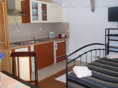 Studio apartment Kapetanovic, Krk, Croatia - photo 9