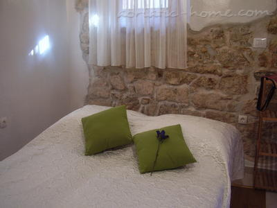 Studio apartment Kapetanovic, Krk, Croatia - photo 2