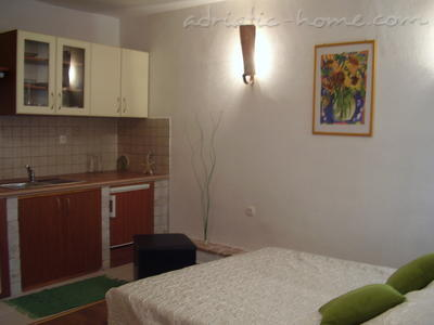 Studio apartment Kapetanovic, Krk, Croatia - photo 3