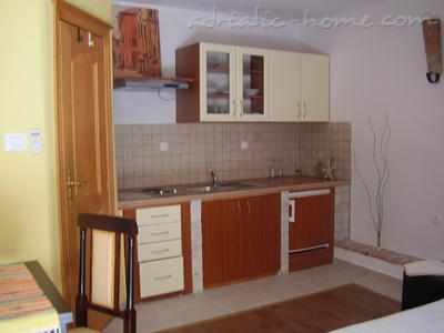 Apartment Kapetanovic B2, Krk, Croatia - photo 2