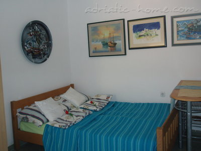 Studio apartment Kapetanovic - centre, Krk, Croatia - photo 11
