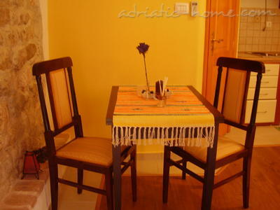 Studio apartment Kapetanovic - centre, Krk, Croatia - photo 3