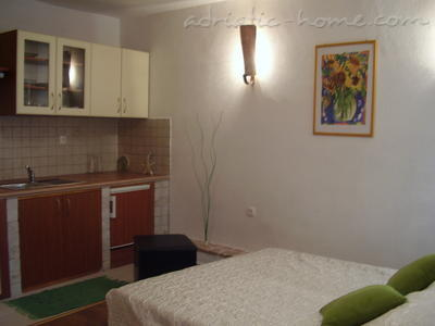 Studio apartment Kapetanovic - centre, Krk, Croatia - photo 2