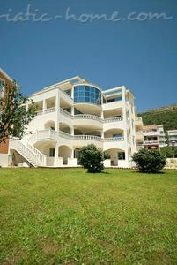 Studio apartment VILA V LUX  ★★★★, Petrovac, Montenegro - photo 9