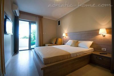 Studio apartment VILA V LUX  ★★★★, Petrovac, Montenegro - photo 2