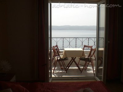 Apartments Orange Dalmatia, Pisak, Croatia - photo 3