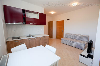 Apartamente Seaside apartment house Zadar IV, Zadar, Kroacia - foto 4