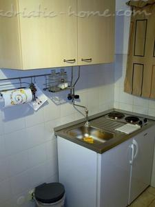 Studio apartment NENO, Split, Croatia - photo 3