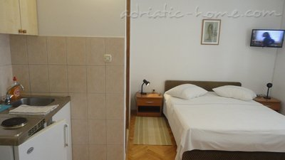 Studio apartment SELAK, Makarska, Croatia - photo 1