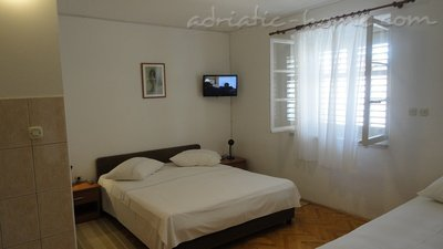Studio apartment SELAK, Makarska, Croatia - photo 3