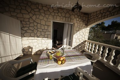 Apartments Villa Marijana II, Starigrad-Paklenica, Croatia - photo 2
