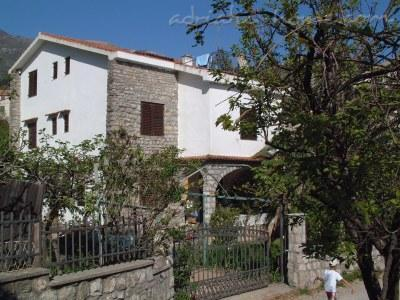 Apartments Durmitor, Villa Maini, Budva, Montenegro - photo 1
