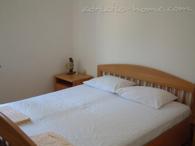 Apartments Orjen, Villa Maini, Budva, Montenegro - photo 3